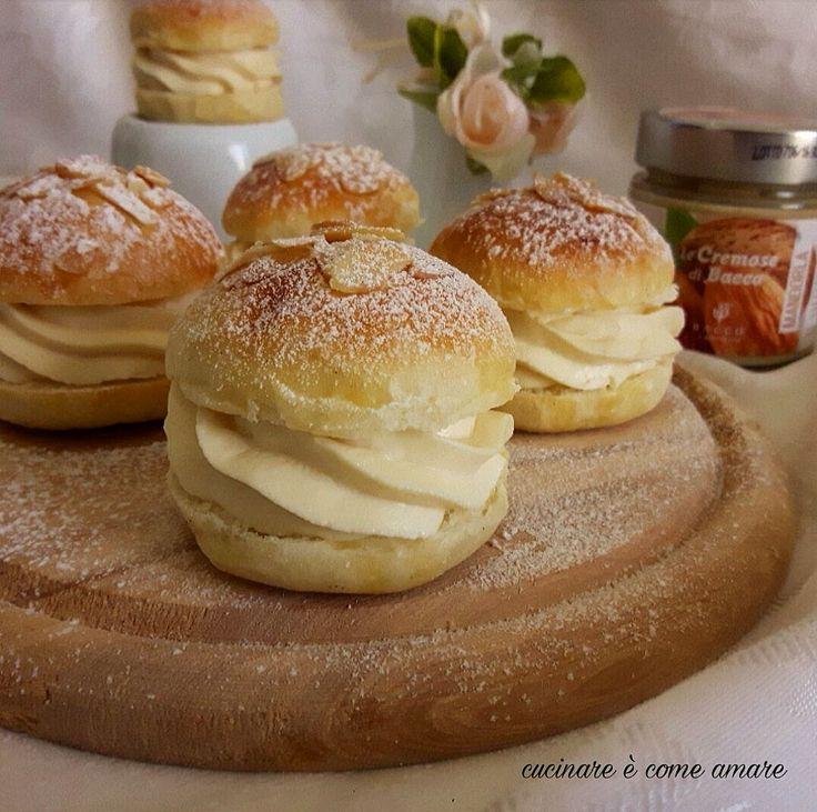mini maritozzi con crema alla mandorla, deliziose e sofficissime briochine ripiene di una crema preparata con mascarpone e crema spalmabile