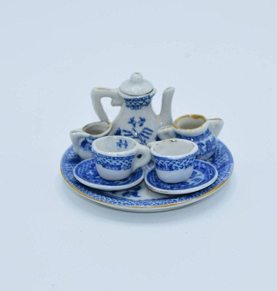 Blue Willow Child's Toy Tea Set 9 Pieces Vintage Miniature