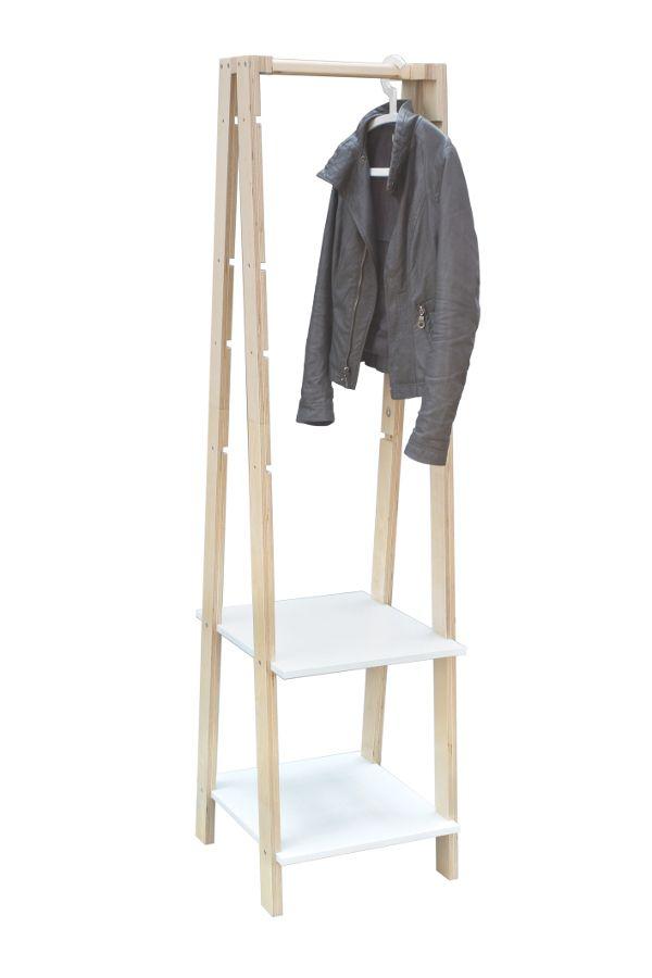 Użytkownik poprzez operowanie ilością półek może uzyskać albo regał, albo wieszak na ubrania, co pozwala dopasować zestaw do indywidualnych potrzeb. (koszt mały/duży regał – 110/235 zł, mały/duży wieszak – 70/110 zł). NoMad, projekt Agata Baron