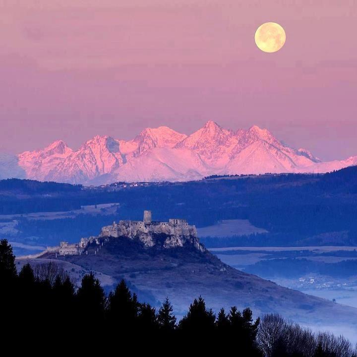 High Tatras & Spissky Castle- Vysoke Tatry, v popredi Spissky hrad..... Beautiful!!!