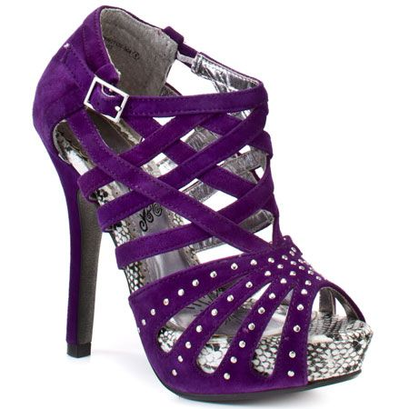 these would be my wedding shoes...gotta have a little edge somewhere in there right? haha