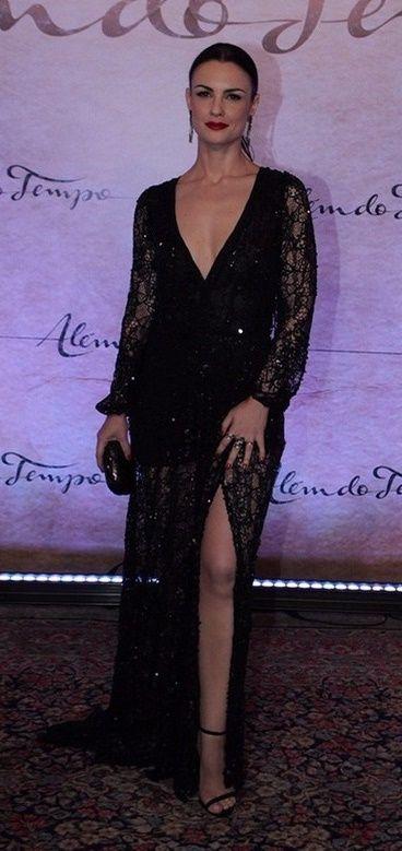 Carolina Kasting in Alessandra Sobreira