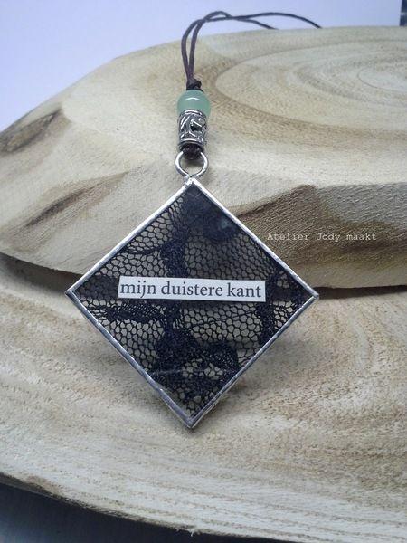 mijn duistere kant glazen hanger van Jody maakt op DaWanda.com