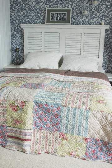 Quiltovaný přehoz přes postel barevný 180 x 260 cm