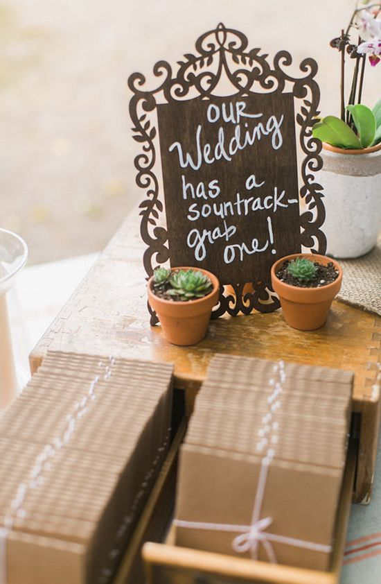 Wedding soundtrack and succulent favors @weddingchicks