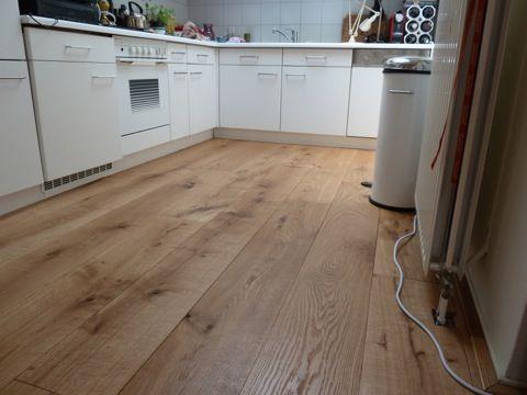 Eiken vloer € 45 / m2 http://www.gebruiktevloeren.nl/vloeren/eiken-vloeren/robuust-eiken-24-cm-breed/
