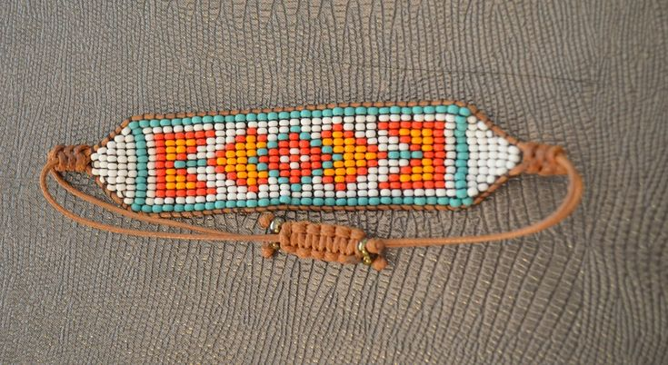 pulseiras de tear  - base de fio encerado para fecho (ótima idéia)