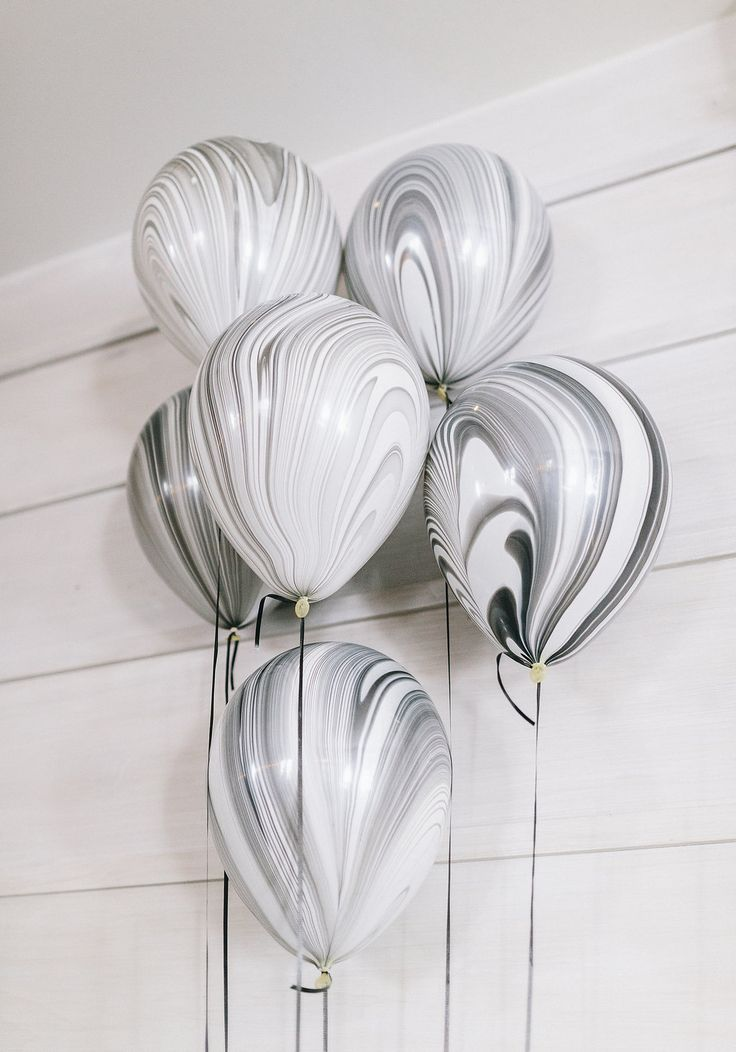 Gorgeous Black Marble Balloons from @cydconverse