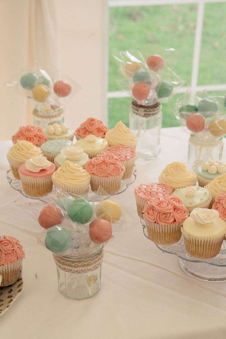 Pastel Cup Cakes by Little Gem's cakes - #thehitchcockwedding