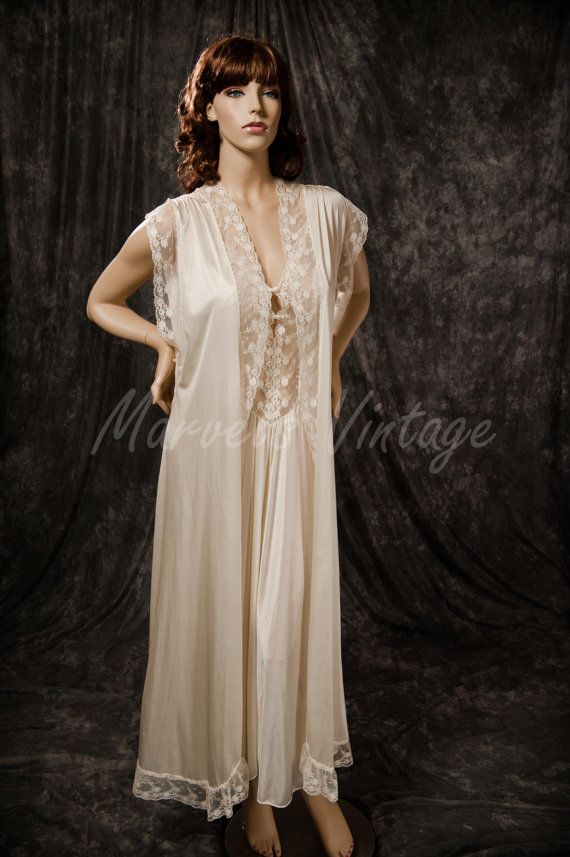 Vintage White Lingerie Kayser Nightgown And Robe Sleepwear