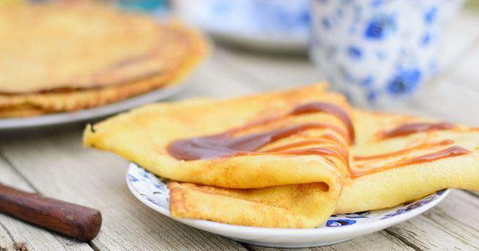 15 recettes de crêpes sucrées - Crêpes aromatisées à l'eau de rose - Cuisine AZ