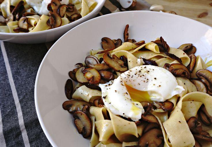 Mushroom Pasta with Truffle Oil and Poached Egg | humbledish.com