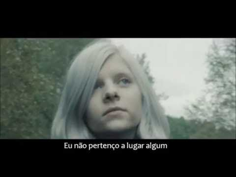 """Tradução: Artista: Aurora Aksnes Música: Animal Soul Imagens: """"AURORA - Into The Light"""" (Vevo)"""