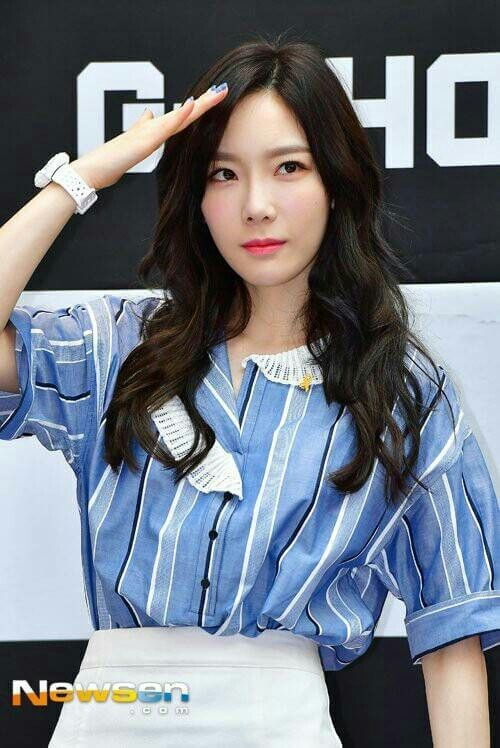 Taeyeon at casio G-shock fansign event