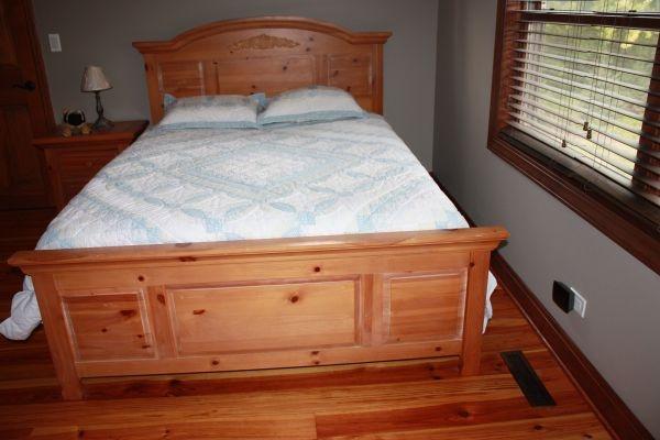 Broyhill Fontana Queen Bedroom Set   $1100 (perhaps Slightly High .