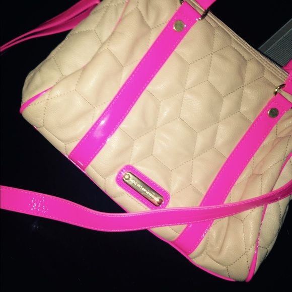 Steve Madden pink and tan purse.  Small pink and tan tote from Steve Madden looks brand new! Cleaning out my closet for the summer (best offer)  Steve Madden Bags