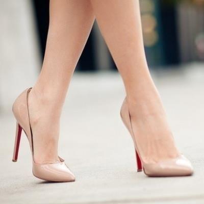 Свадебные туфли с острым носиком на шпильке