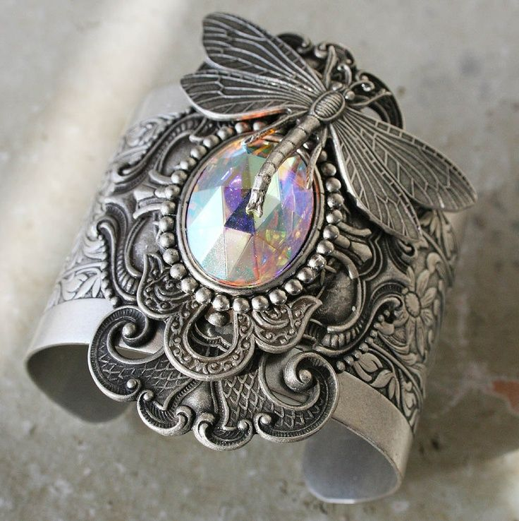 ❥ OVER THE RAINBOW Victorian vintage inspired dragonfly cuff bracelet