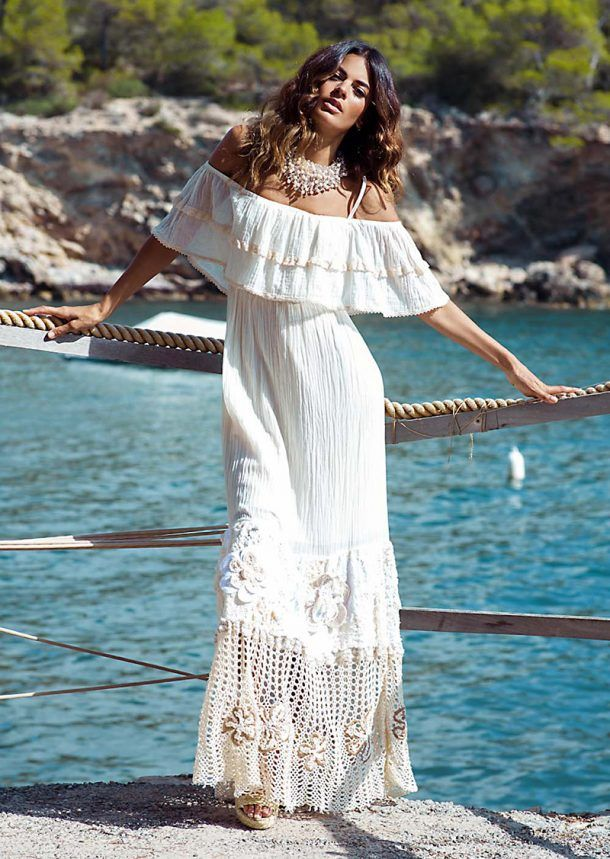 Bello y atemporal vestido largo, off-shoulders, beige con crochet!! Me encanta