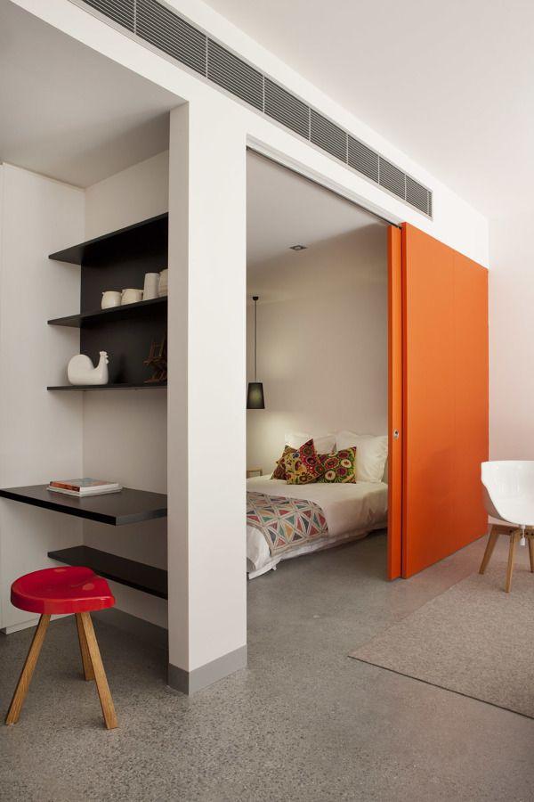Puerta corredera naranja