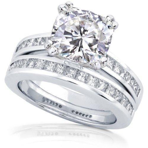 3ct TW Cushion-cut Moissanite and Princess Diamond Bridal Set in 14k White Gold - Size 7