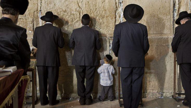 Photos: Jews celebrate Rosh Hashanah.