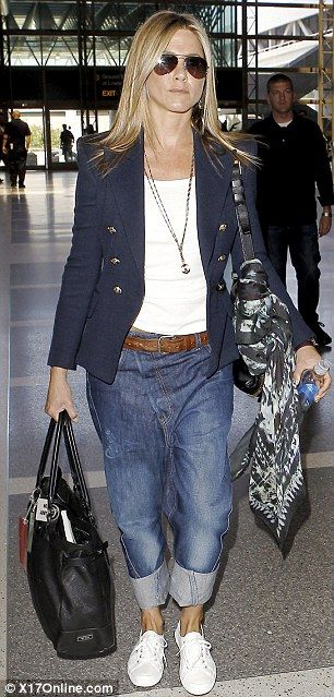 Loving Jen Anistons look - she knows how to travel 'chic'!  Something to aim for!!