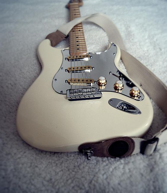 Fender Stratocaster Electric Guitar: