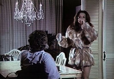 When you have hot gurlfiend like Stephanie Powers and she run around in just mini-fur an' nuthin' else, well, expect plenty of cheap TV dinner! Description from monstermoviemusic.blogspot.com. I searched for this on bing.com/images