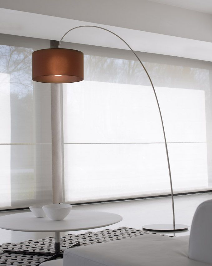 Modern arch floor lamp Fog by Morosini. The metal part is in nickel satin finish or laquered black and white. The lampshade is in Pongè fabric with a blown glass globe inside, create a beautiful light effect.