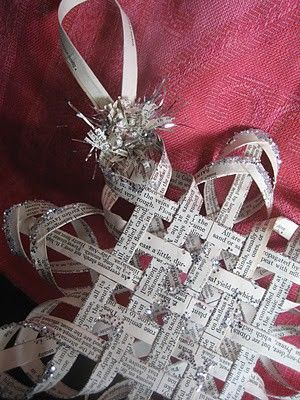 """Woven star tutorial out of old book pages.This is paper star tutorial . For the basics on """"how to"""" cut, fold and glue you will need to see my pin on the first star - or go the the web site and get the info. Oh, and btw, this woman has so really amazing paper craft tutorials."""