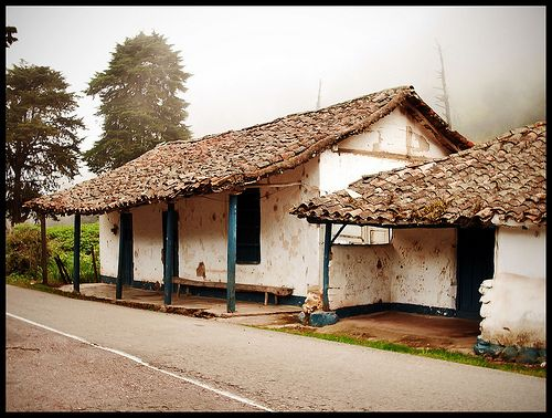 117 best images about casas de bahareque on pinterest for Casa con piscina quebrada alvarado