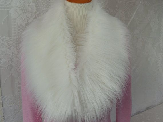 I made this faux fur collar out of soft, super long, white fox faux fur and lined the collar with white fleece. Faux fur collar is approximately 5 wide