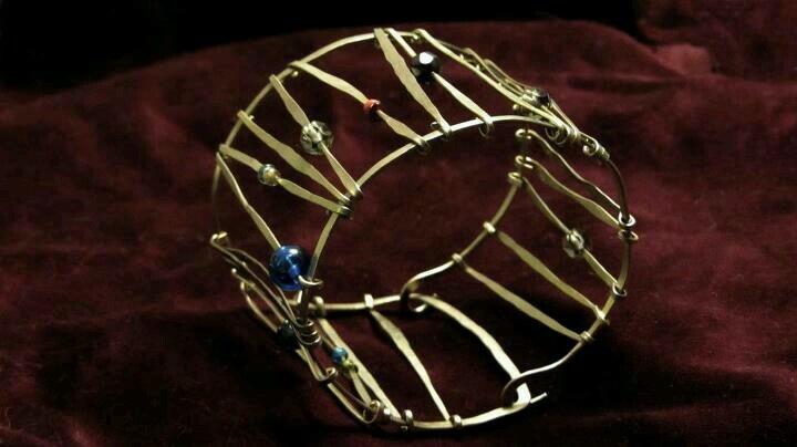 Alpaca bracelet and glass beads