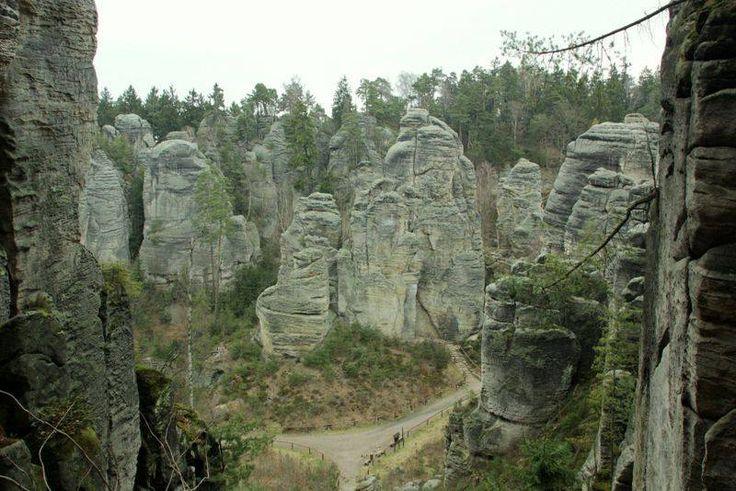 Czechy: góry, jaskinie, ośrodki narciarskie, baseny i wiele innych atrakcji...