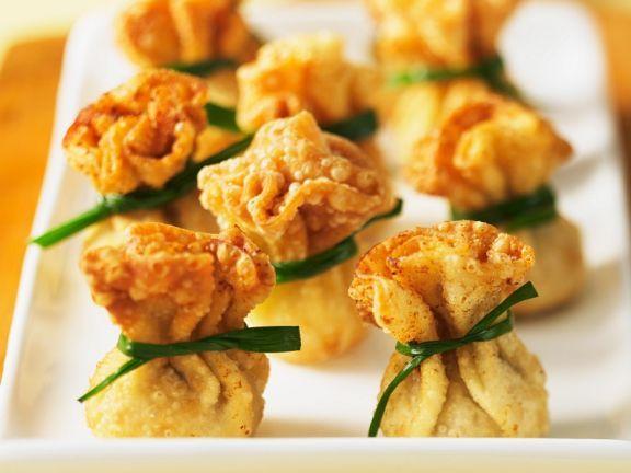 Fritterite Wan Tans ist ein Rezept mit frischen Zutaten aus der Kategorie Crêpe. Probieren Sie dieses und weitere Rezepte von EAT SMARTER!