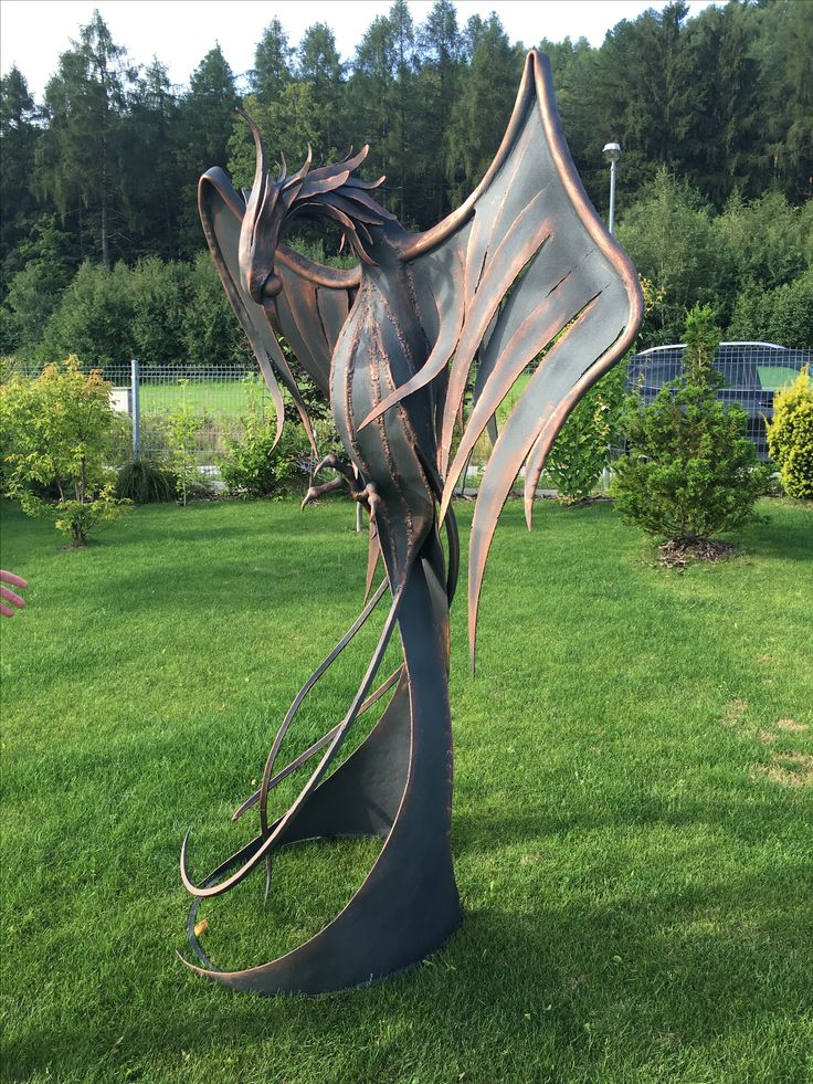 Fenix metal sculpture - Alexandr Pleskač