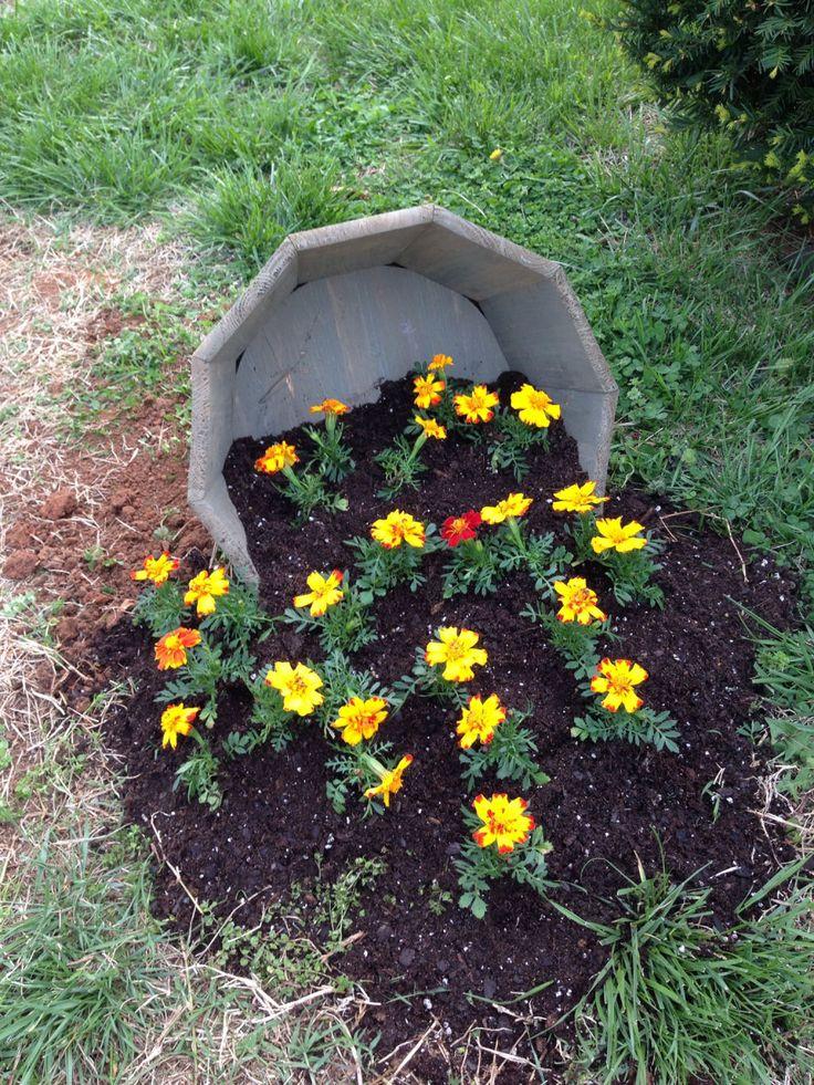 23 vasos que derramaram suas flores transformando-as em arroios de pintura 20