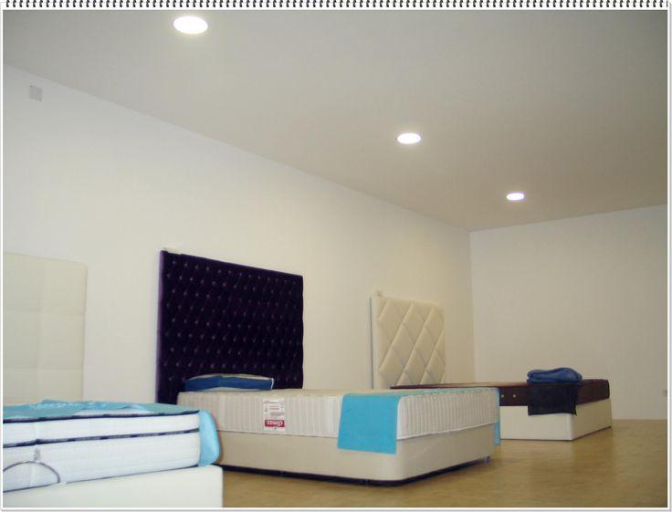 """Mais uma página virada. Temos um espaço totalmente remodelado onde vais encontrar os melhores colchões, almofadas, sommiers e cabeceiras de cama. """"O Mundo do Mobiliário"""" NOTA: Abertos todos os dias da semana."""