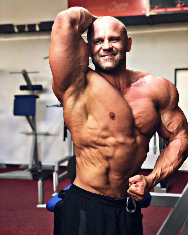 Pin by Mohit Bansal on no   Shirtless men, Muscular men
