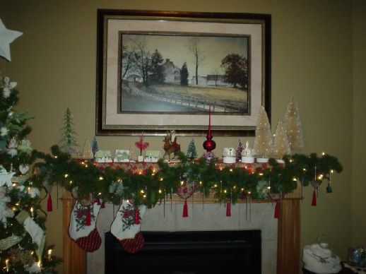 Christmas-Fireplace-Mantel-Decoration-Ideas16