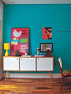 Decoração parede azul turquesa