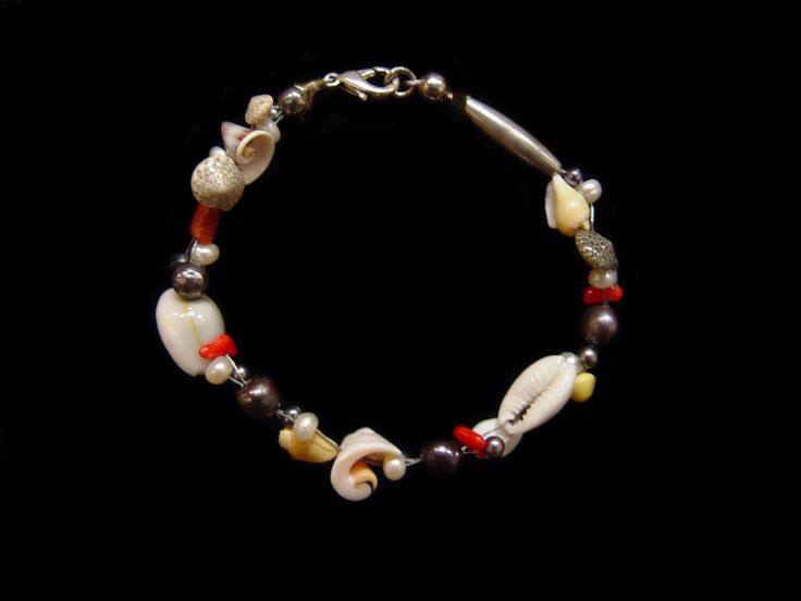 """Shell, Pearl and Coral Bracelet. 7.5""""."""