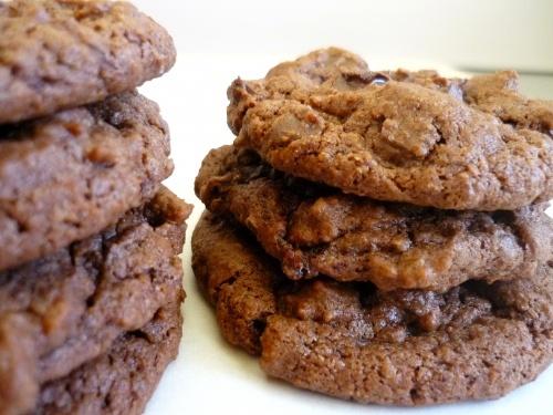 Cocoa Fudge Cookies (78 Calories!!)