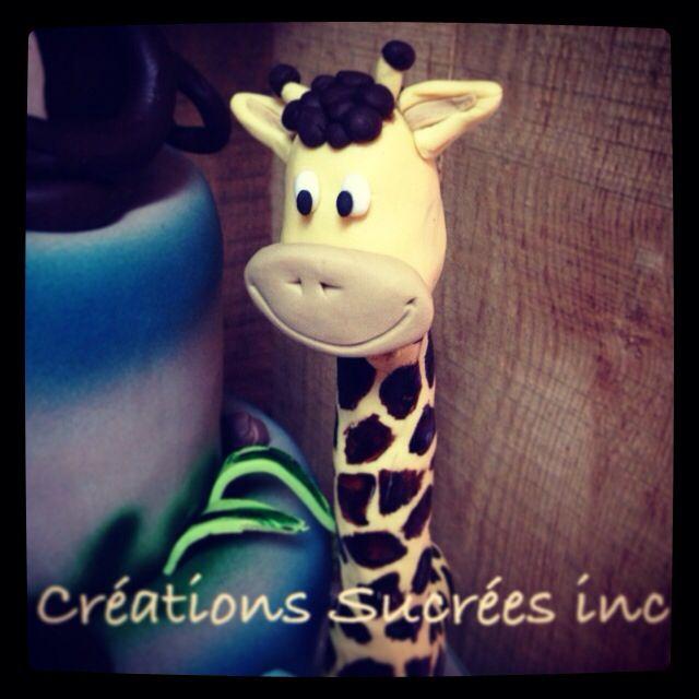 Girafe! Entièrement comestible et faite à la main.