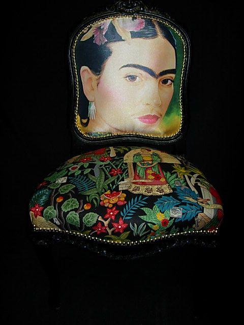 Frida Khalo | baroque chaise réfection tapissier vintage voltaire | Rouge rose