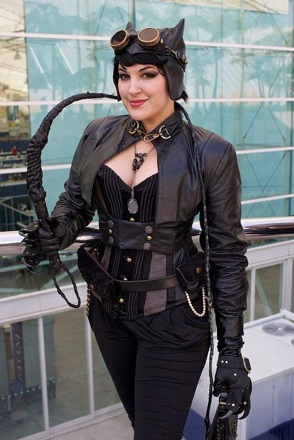 Cosplayer Chrissy Lynn from WHO WORE IT BEST: Steampunk Catwoman edition. SteampunkFashionGuide.com #cosplay #steampunk