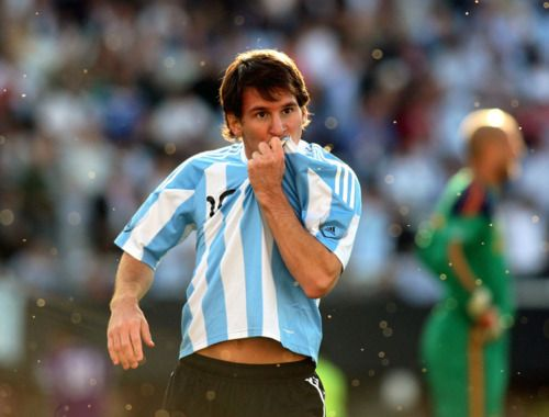 Lionel Messi: Lionel Messy Ahmaz, Numbers One, Lionel Messi, Sons Heroes, Messy Sons, World Cups, Fun, Random Pin, High Schools