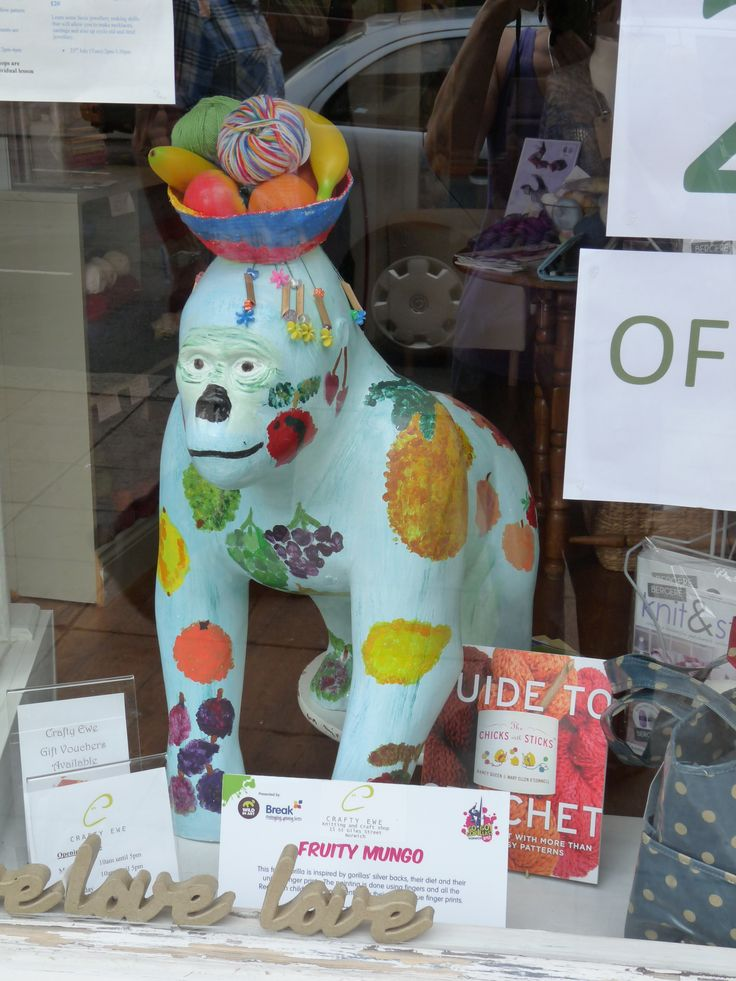 gorilla in Norwich shop window gogogorillas.co.uk/‎