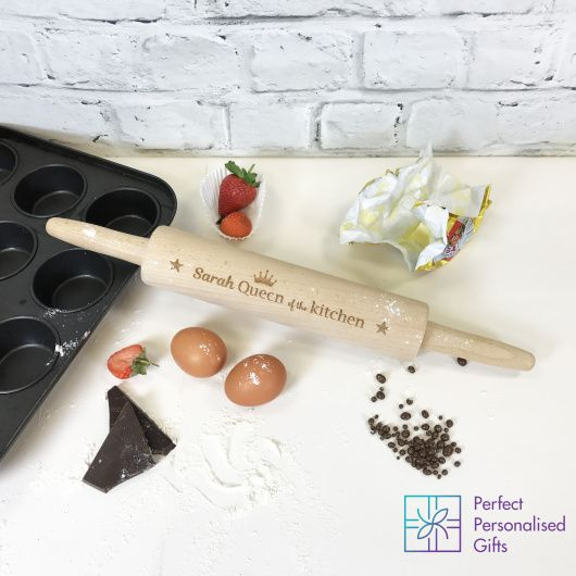 Queen of the Kitchen Rolling Pin.    Personalise this Queen of the Kitchen Rolling Pin with a name.    'Queen of the Kitchen' is fixed.    Clean before use.